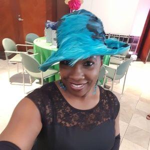 Vintage Turquoise & Black Ladies Hat